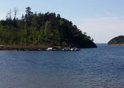 Båtplassene ligger lunt og skjermet